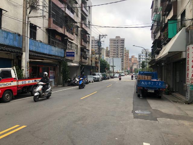 中路邊間大面寬收租透店,桃園市桃園區慈光街