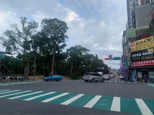 火車站正20米路透店,桃園市桃園區春日路